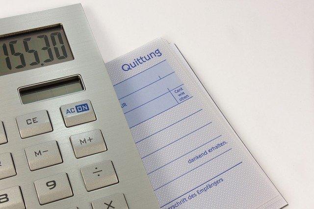 kalkulačka s papírem.jpg