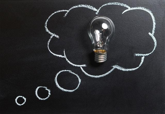 nápad, žárovka v bublině.jpg